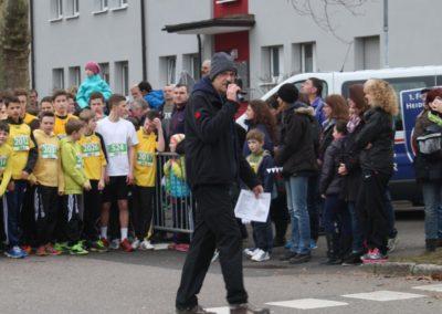 Moderator an der Startlinie beim Gmünder Stadtlauf