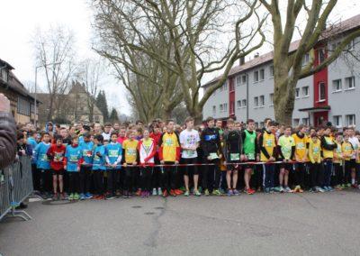 Schüler an der Startlinie beim Gmünder Startlauf